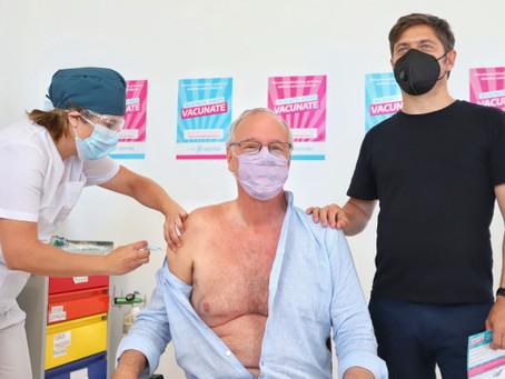 Kicillof anunció que la semana próxima comenzará la vacunación de docentes con factores de riesgo