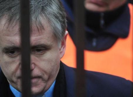 El pederasta Grassi, preso en Campana, pidió la domiciliaria