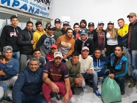 La Agrupación Jorge Varela donó valioso material deportivo a clubes y escuelas de fútbol