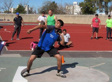 Atletismo: El equipo del Club Ciudad consiguió 17 medallas doradas y 44 podios en La Plata