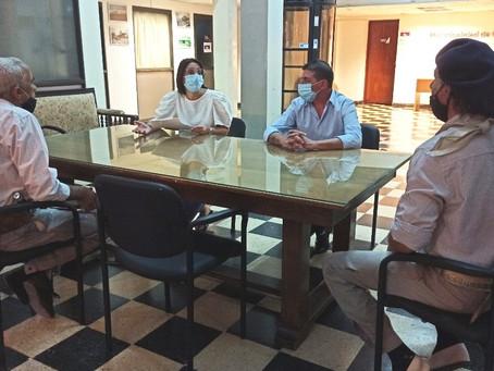 Casaretto y Amaya recibieron un petitorio para la reapertura de los centros criollos