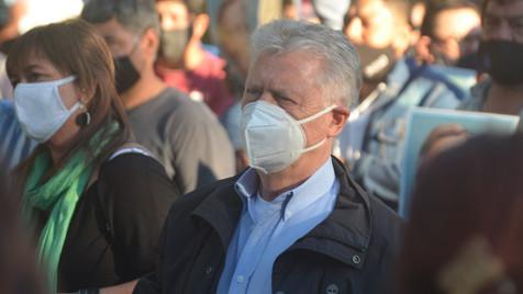 """""""Los casos no bajan por la ausencia de gestión de la pandemia"""""""