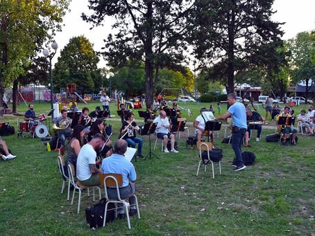 La Banda Municipal se lució en el barrio Dálmine Nuevo