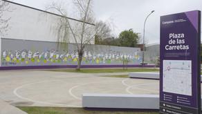 Pintaron un mural con el abecedario en lengua de señas en la plaza de las Carretas