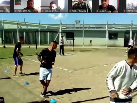 Personas privadas de la libertad de la cárcel de Campana se capacitan en fútbol infantil