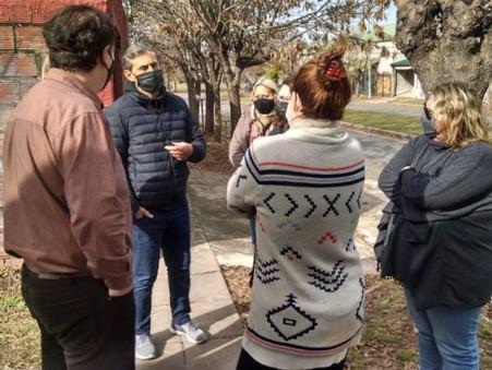 Concejales de Juntos por el Cambio analizaron con vecinos dos proyectos para el barrio Siderca