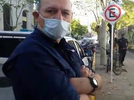 Sergio Berni, con los tapones de punta contra Osvaldo Caffaro