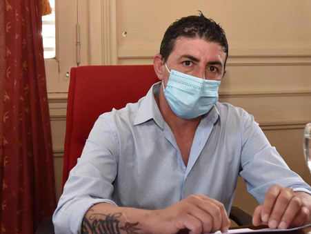 """""""Que Alonso muestre la lista de vacunados si no tiene nada que esconder"""""""