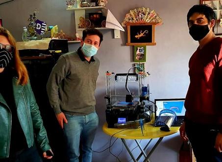 Las máscaras faciales del programa Cuidarnos se hacen con plástico reciclado