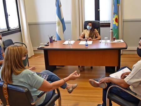 Previo al inicio de clases, Casaretto se reunió con consejeros escolares
