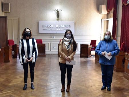 El HCD reconoció a dos escritoras que participaron de un concurso literario internacional