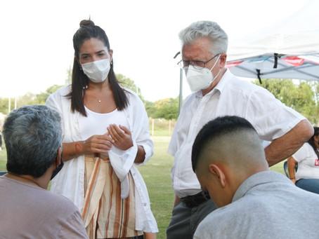 Rubén Romano llevó la campaña de vacunación a Santa Lucía