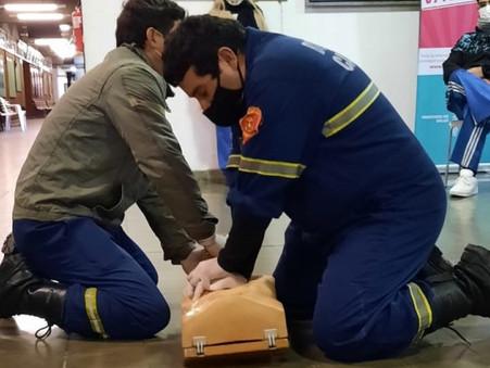 Los equipos de los centros de vacunación se capacitaron en RCP