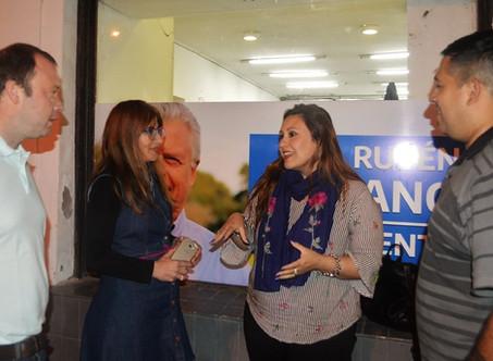 """""""Abella hace campaña de Foto Carnet para esconder a Macri y Vidal"""""""