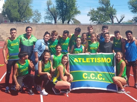 Atletismo: 4 títulos y 16 podios para el Club Ciudad en el Provincial U18 de La Plata
