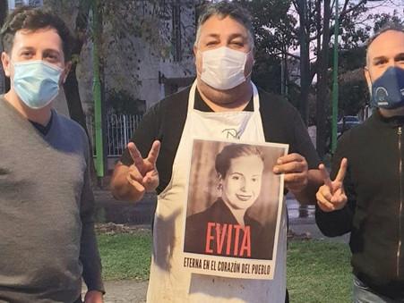 Mas de mil vecinos de Campana recordaron a Evita a 102 años de su nacimiento