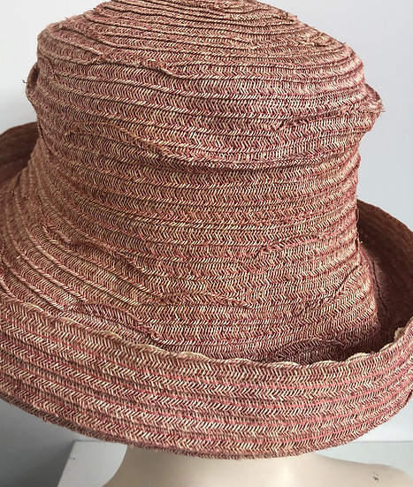 Bowler (rose with scalloped edge)