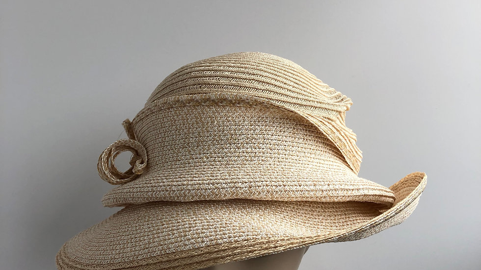 Molly Bloom (single brim tiered, gold/nat')