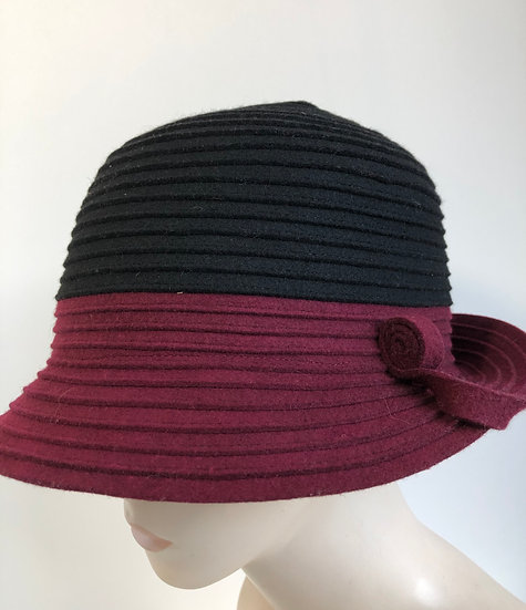 Spy Brim (felt strips, blocked red/black)