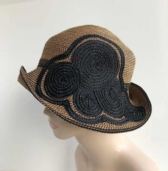 Circle Cloche   (tweed- gold/black)
