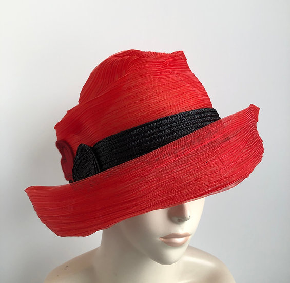 Cosette  (red pinched horsehair with black)