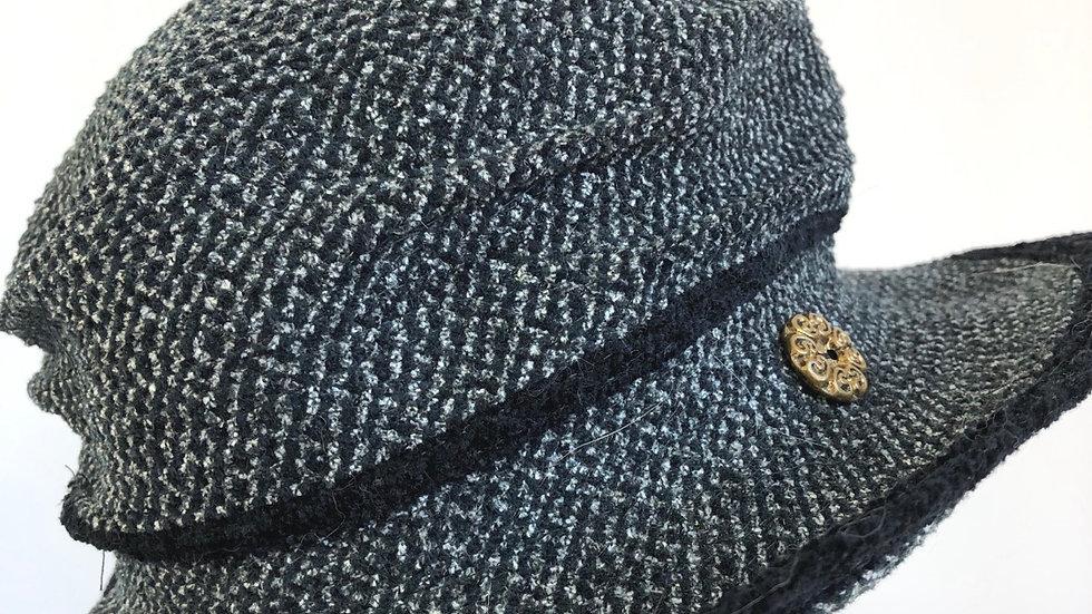 Pinched crown (black/white tweed)