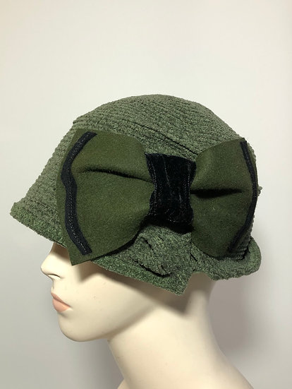 Daisy B with bow (olive)