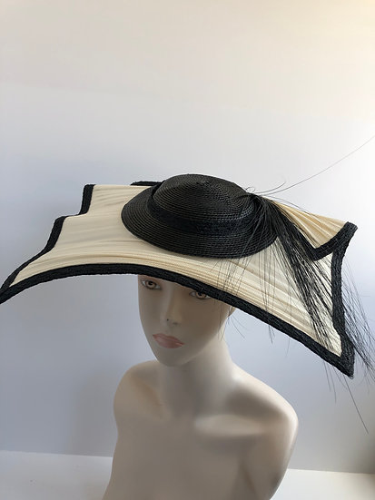 Ellen Olenska  (square fascinator)