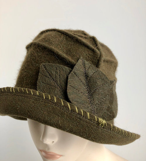 Daisy B Swoop with embroidery edge (olive)