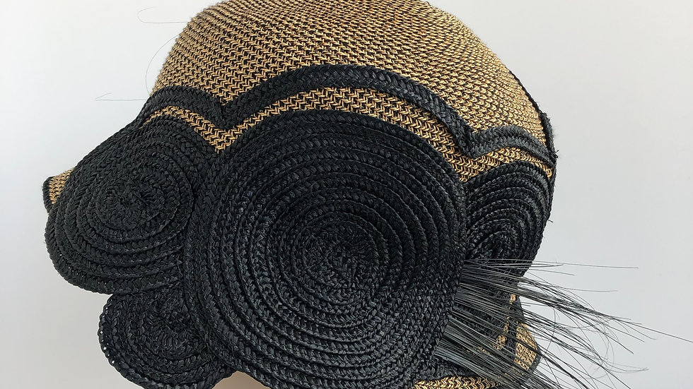 Circle Cloche  (tweed with black)
