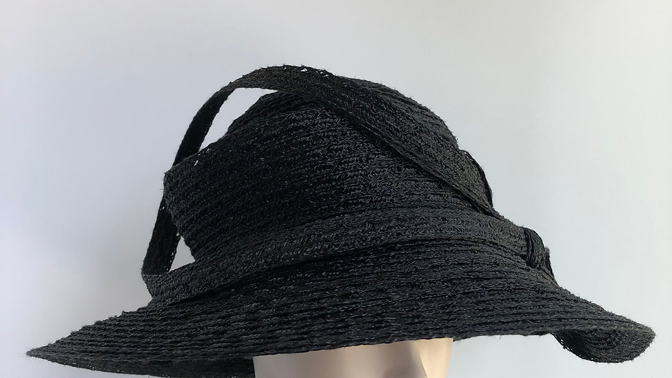 Clarissa  (solid black with loops)