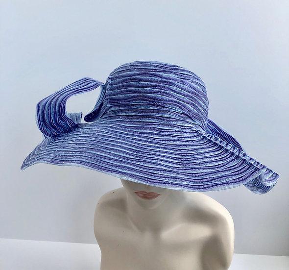 Gudrun    (baby blue with lavendar)