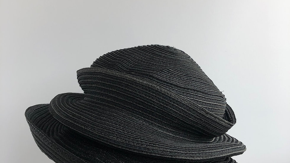 Molly Bloom (single tiered brim, solid black)