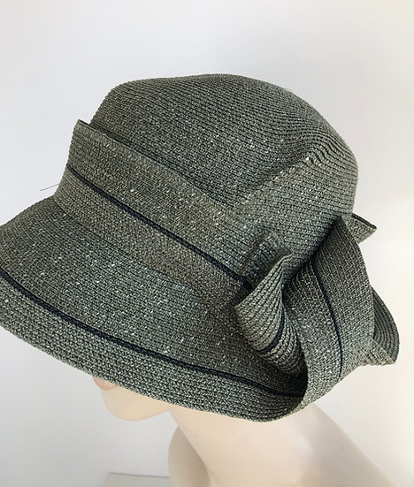 Caddy (olive with single black strand)