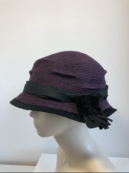 Pinched Crown (aubergine/black)