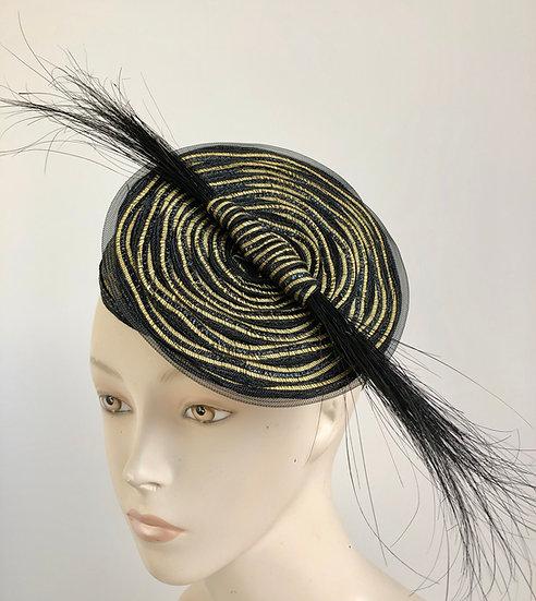 Platter fascinator (black/gold w/ peacock flue)