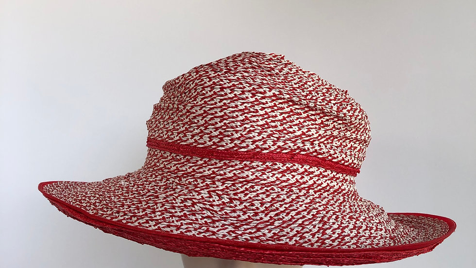 Clarissa (red with double brim)