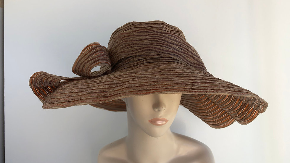 Gudrun  (pecan and taupe, wide brim)