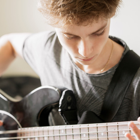 How to Balance Time for Your Guitar Playing with a Busy Schedule!