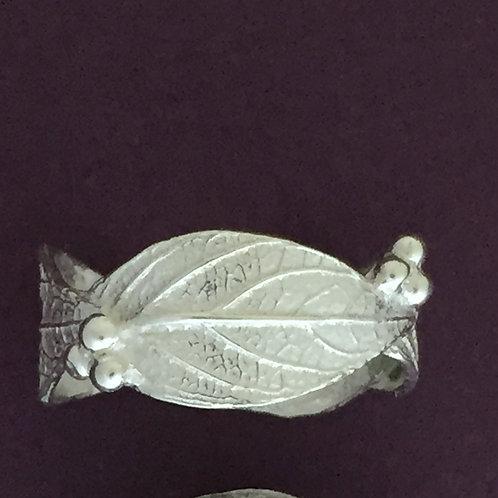 Narrow Hydrangea Leaf and Bud Ring~Shiny