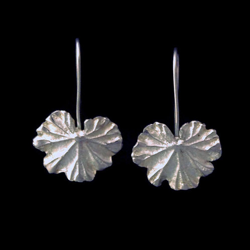 Geranium Leaf Earrings~Shiny~Medium