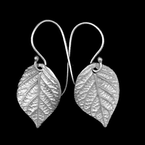 Hydrangea Leaves Earrings Small~Shiny