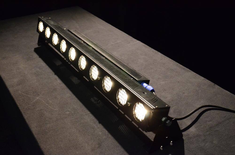 Sunstrip-Fargo-10-x-50-watt-DMX