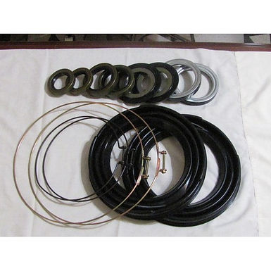 2.5 TON STEER AXLE BOOT AND SEAL KIT