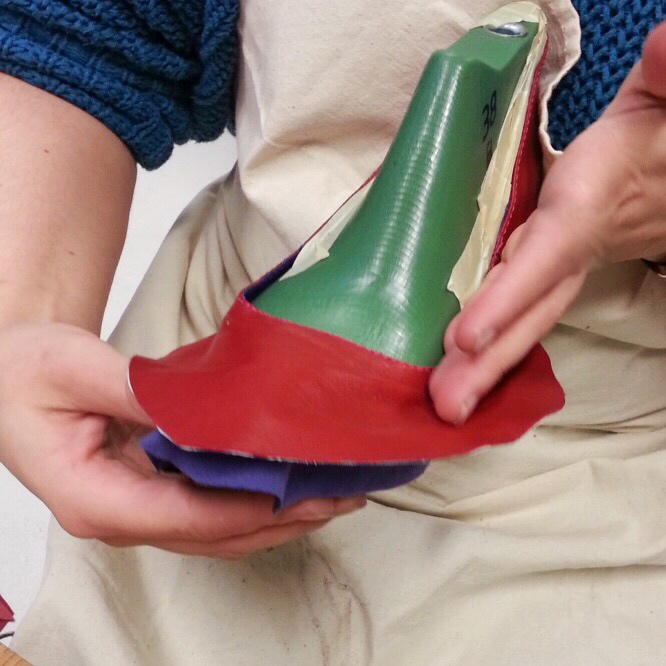 Shoes Handmaking - assembling