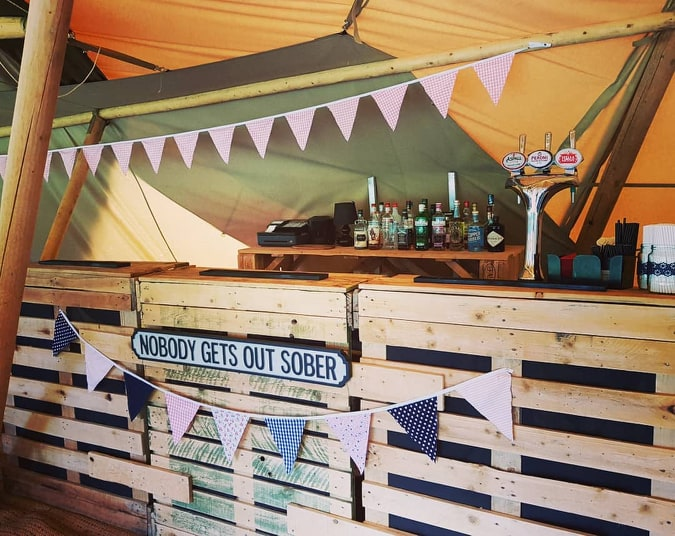 pallet bar for flyer