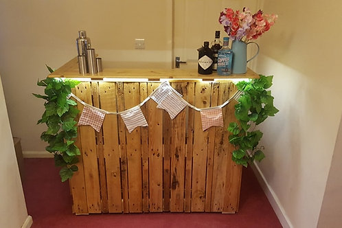Rustic Pallet Home Bar
