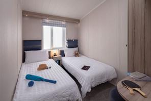 int-edmonton-lodge-twin-bedroom-swift.jpg