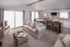 int-edmonton-lodge-lounge-rear-to-front-towards-dining-table-swift.jpg