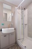 bathroomn-2jpg